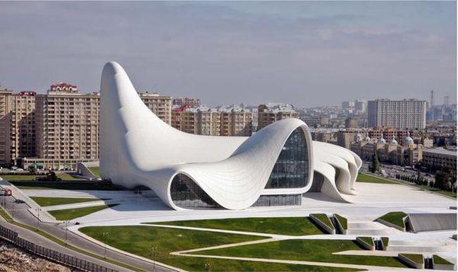 excursion_in_heydar_aliyev_center_650x38